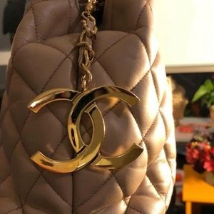 CHANEL Bags - Authentic CHANEL Beige Lambskin CC Shopper Bag
